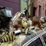 Petaluma streets - Volvo station wagon decorated with doll heads
